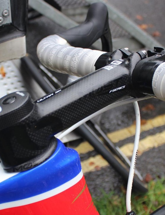 Wiggins prefers his bar tape all the way to the stem