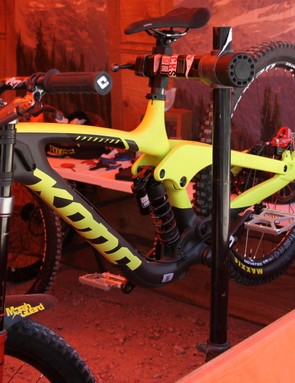 Connor Fearon's Kona Operator can run 27.5in or 29in wheels