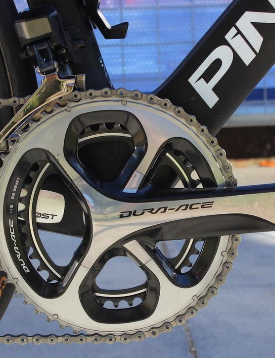 The bike was equipped with a Dura-Ace 9000 crankset