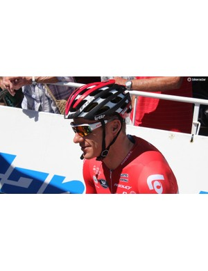 Hansen wears Lotto eyewear and hasn't been told it's more aerodynamic to wear the glasses over the helmet straps