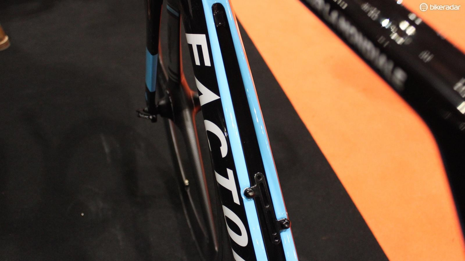 The 'Twin Vane' downtube allows air to flow through the frame and produce less wind resistance