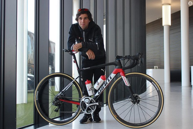 Sunweb's Michael Matthews with his Giant Defy SL race bike with Shimano Dura-Ace discs