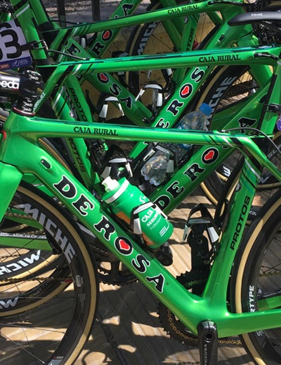 The bright green Caja Rural De Rosa bikes are fitted with Shimano Ultegra