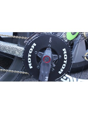 The cranks feature a 2IN ROTOR powermeter