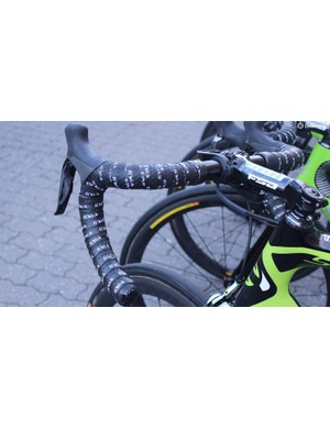 Taylor Phinney was the only Cannondale-Drapac rider with double-wrapped handlebar tape