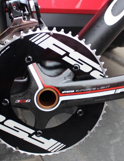 53/39 chainrings up front and a FSA K-Force Light crankset for the Frenchman