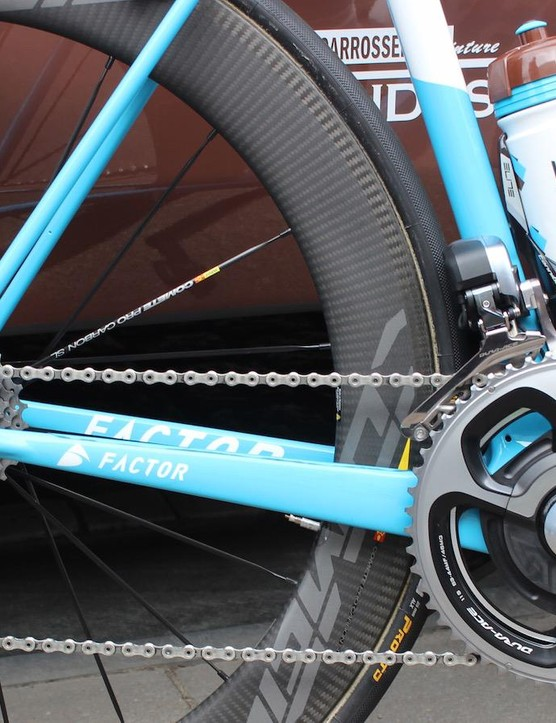 Naesen's bike features a Shimano Dura-Ace Di2 9070 groupset