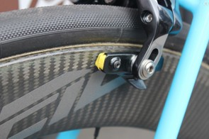 The yellow brake pads are carbon specific for the rim surface