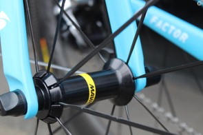 A closer look at the front hub on the new Mavic Comete