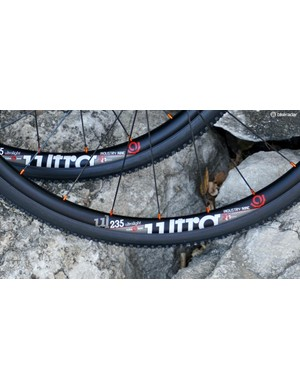 Ultralight, tubeless, 23.5mm wide — that graphic pretty much sums it up