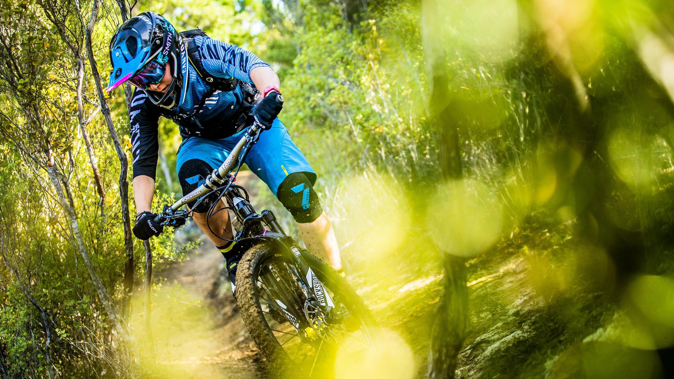 Thoma rides the Canyon Strive CF 9.0 Team bike