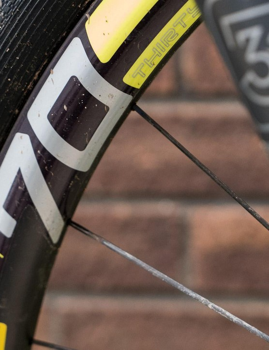Carbon fibre ENVE M70 HV rims add a good profile to the tyre, but a whole load to the price tag