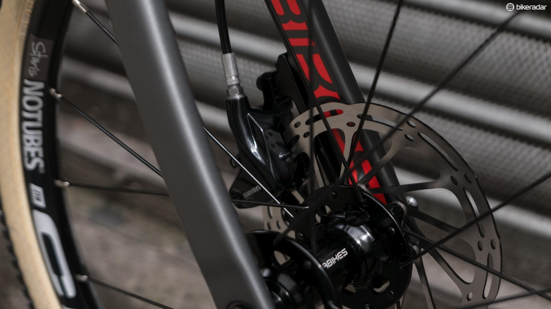 The Beinn 20 uses Avid DB5 disc brakes and 140mm rotors