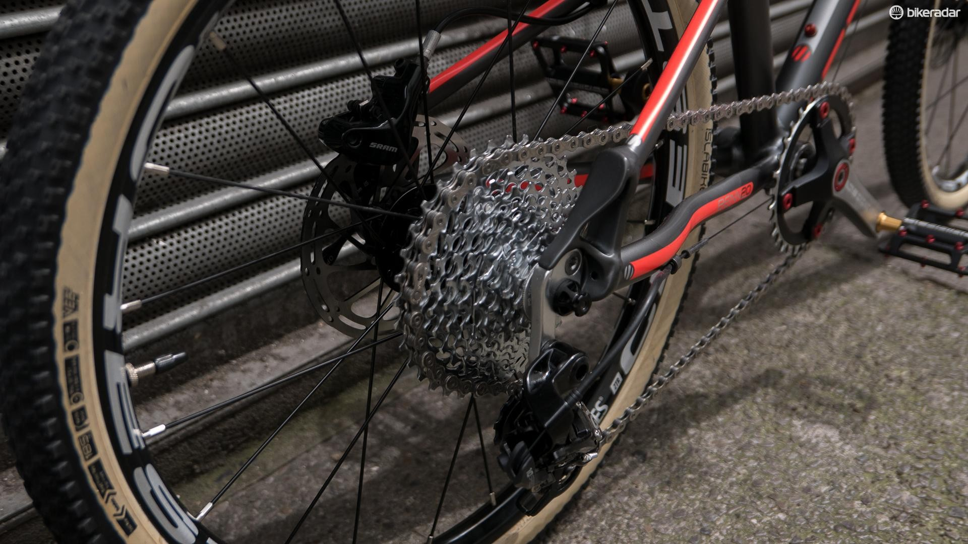 The drivetrain of the Beinn 20 is a thing of beauty, using an 11-36t 10spd SRAM GX cassette that's been modified to 9spd unit
