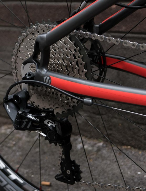 A SRAM GX 11spd transmission is paired to a 11-42t Shimano XT cassette on the Creig range