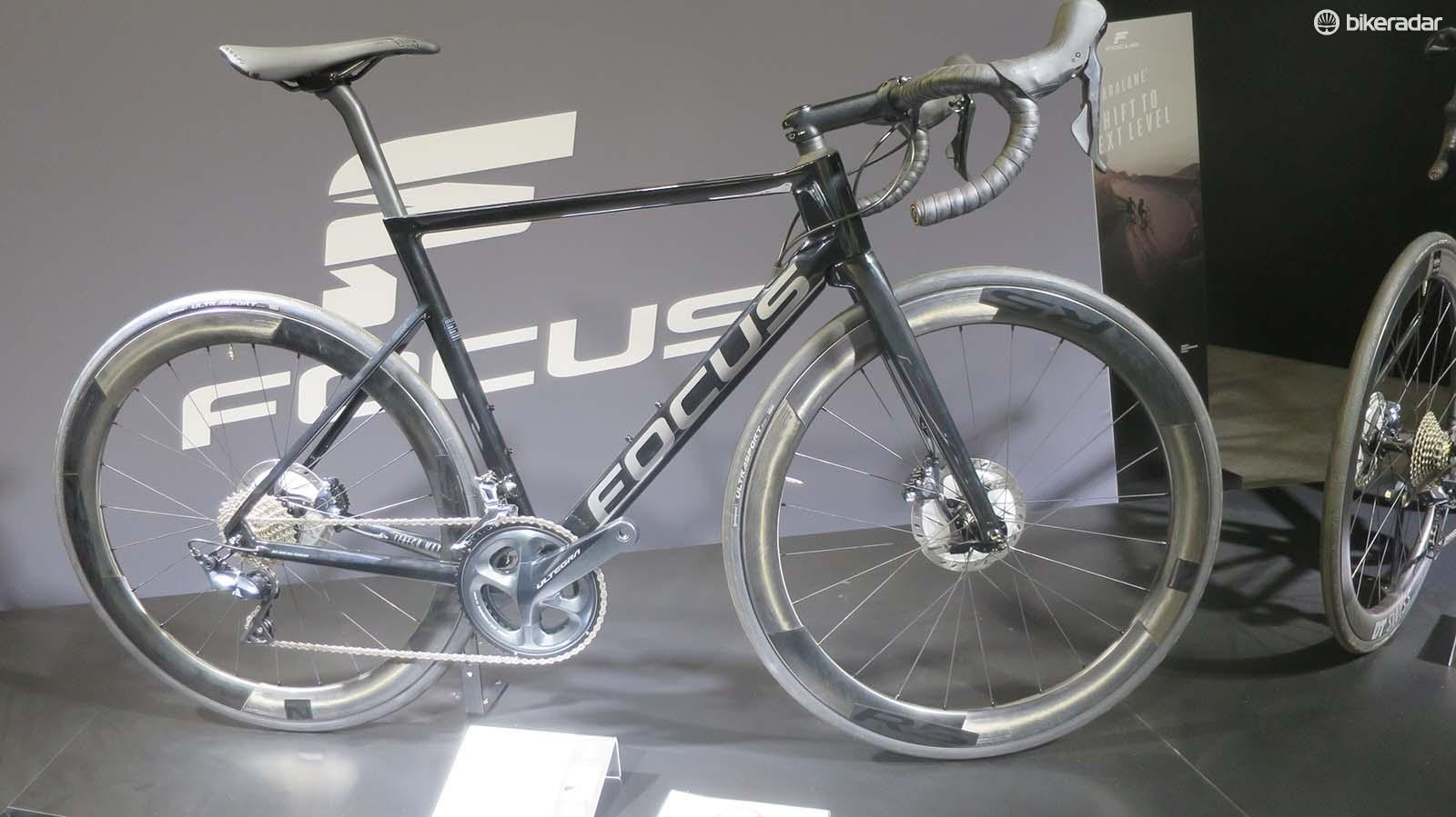 The £3,439 Max 8.8 uses mechanical Ultegra and 50mm deep Novatec carbon wheels