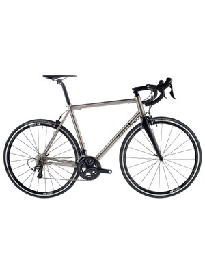 The J.Guillem Major is designed for the club rider or racer