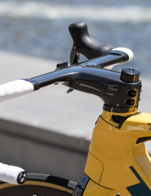 The Madone 9-series comes with its own XXX handlebar and stem combination