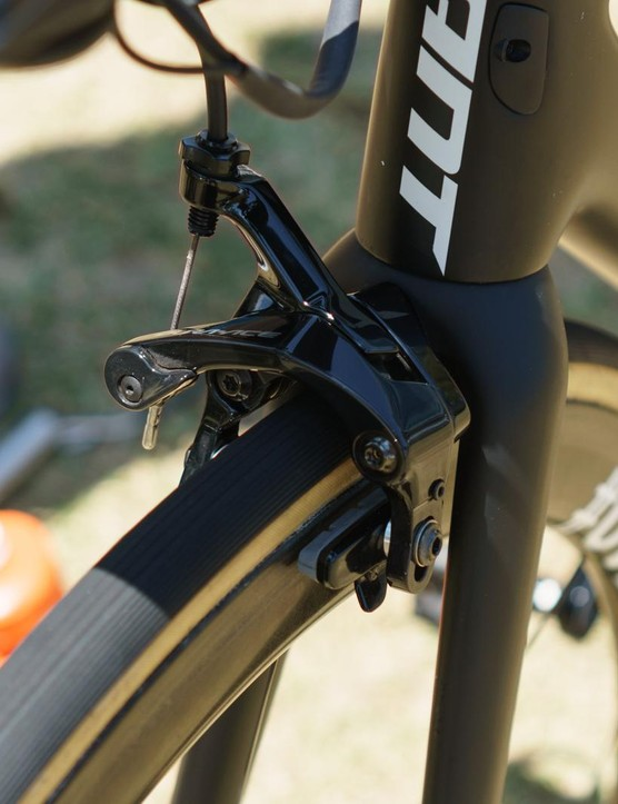 The TCR Advanced still uses traditional centre-mount brakes
