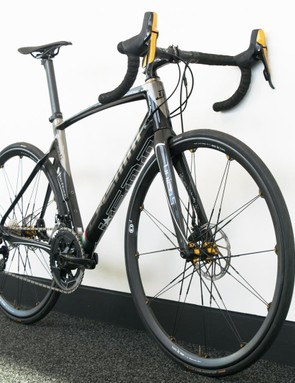 Custom painted SRAM components give this thing a distinctive look