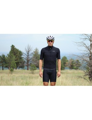 Gore's Oxygen collection includes jerseys that act like short-sleeve jackets
