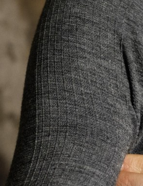 Ribbed fabric on the arms