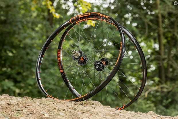JRA Stan's NoTubes Flow MK3 Traildog wheels