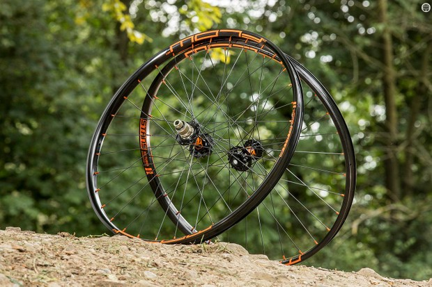 JRA Stan's NoTubes Flow MK3 Traildog wheels