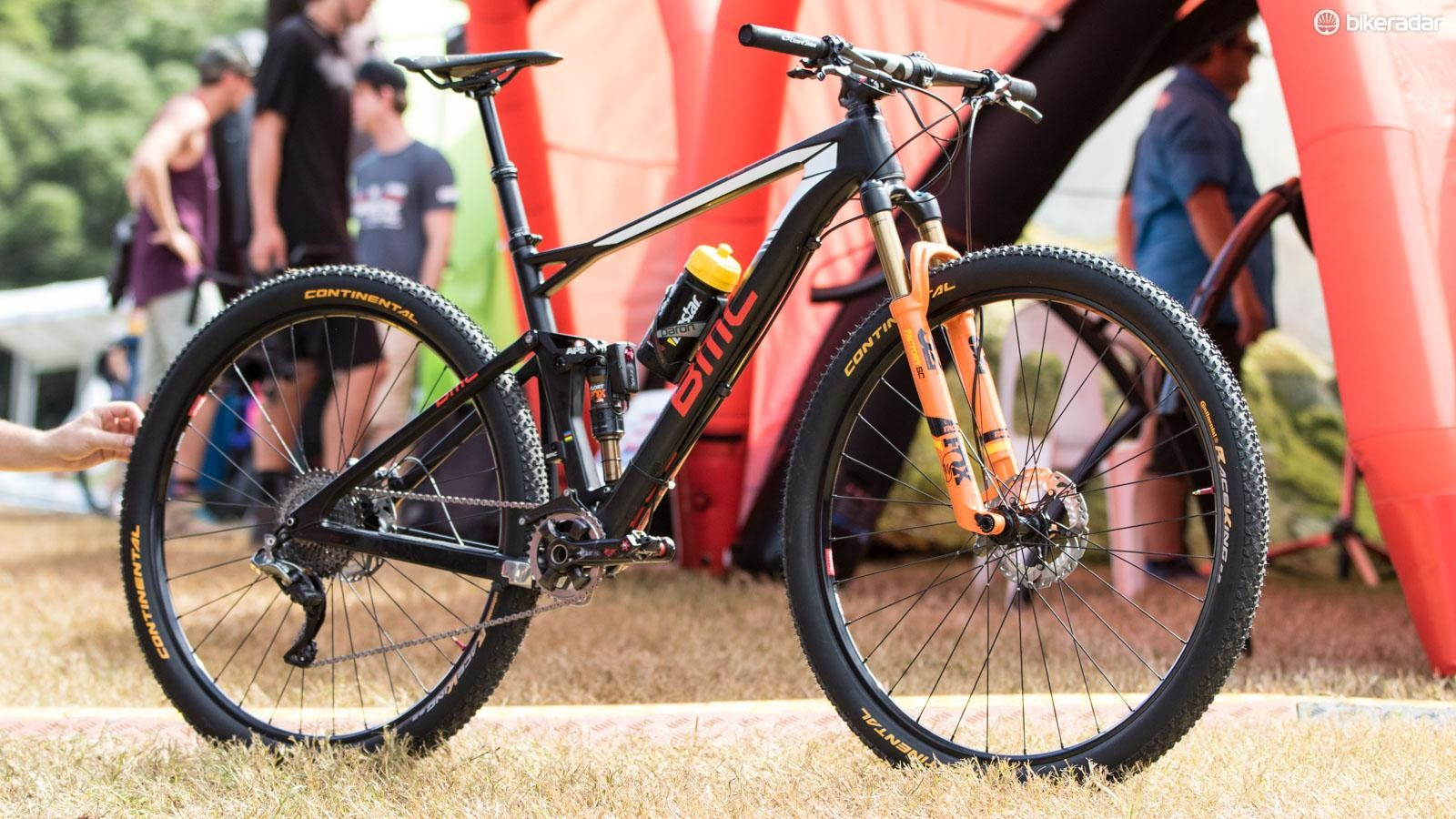 Ultra progressive in setup, Julien Absalon's BMC Fourstroke 01 could be a sign of what cross country bikes are set to become