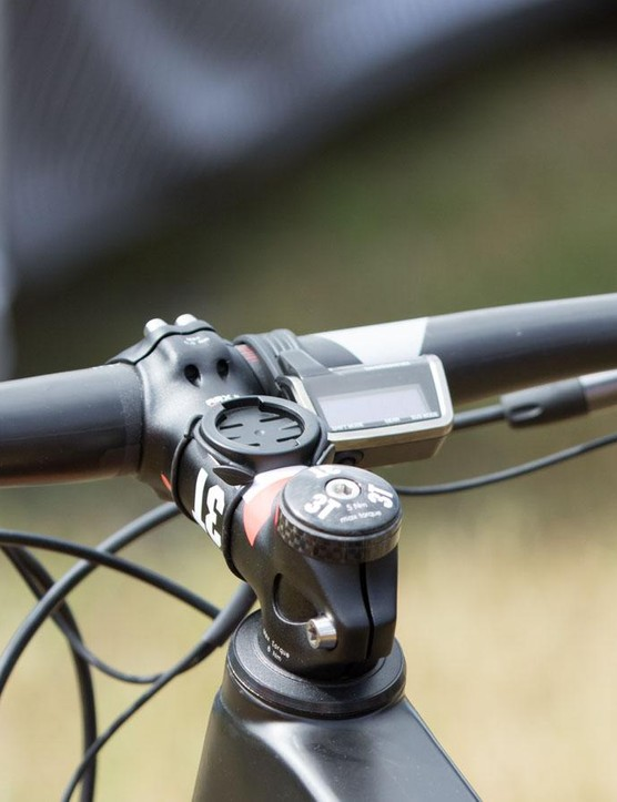 The Shimano Di2 control head unit is there, but we suspect Absalon doesn't look at it a whole lot