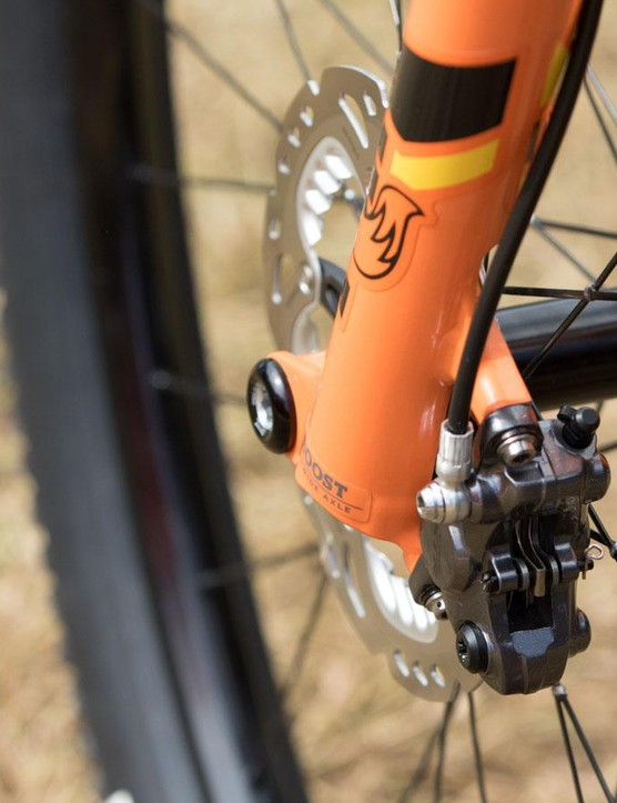 Absalon uses Shimano sintered Race pads. These save precious grams over the finned SciTech options, which are designed for better heat dissipation