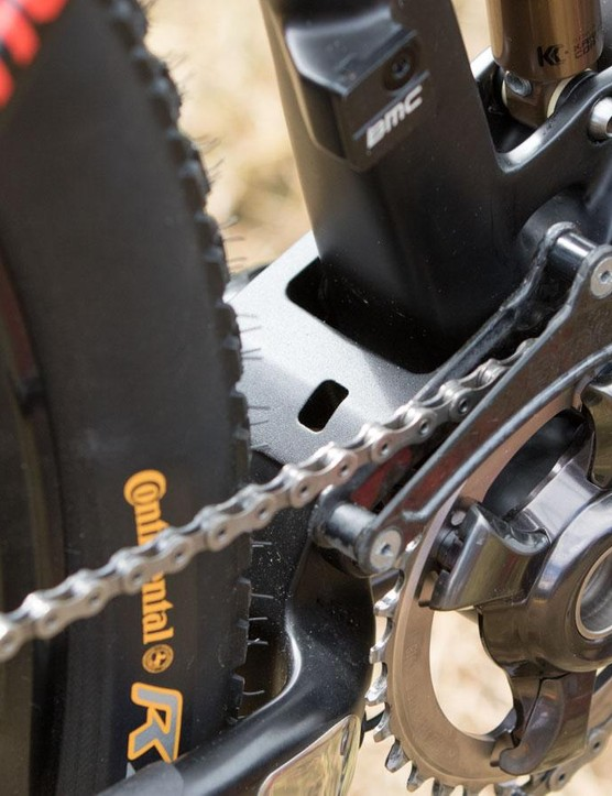Another view of that special carbon chainguide made by BMC, for BMC