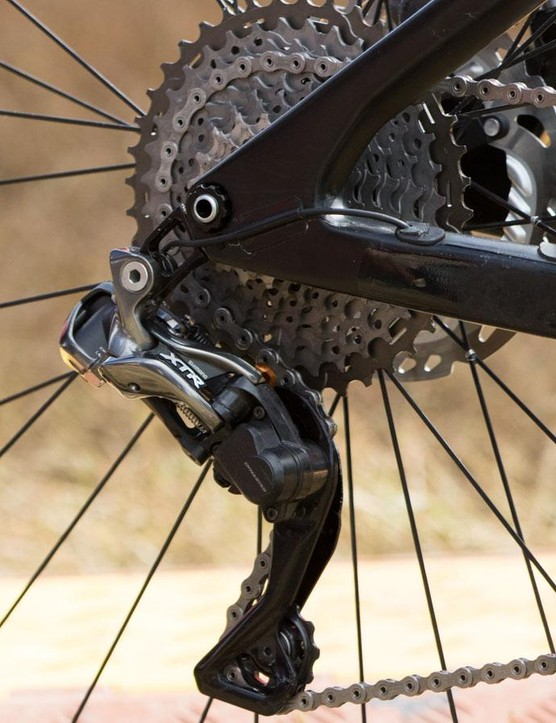 Rear derailleur clutches revolutionised chain retention and allowed for the current generation of single-ring drivetrains. However, they do add significant resistance at the shifter, something Di2 overcomes with ease