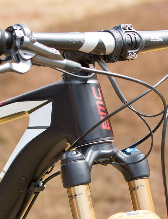 Straight and wide. Handlebars are forever growing wider in cross country – we were told Absalon is moving to a 700mm width