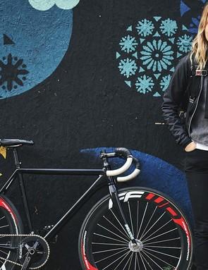 Race-ready: Juliet Elliott's slick Cannondale and FFWD wheels