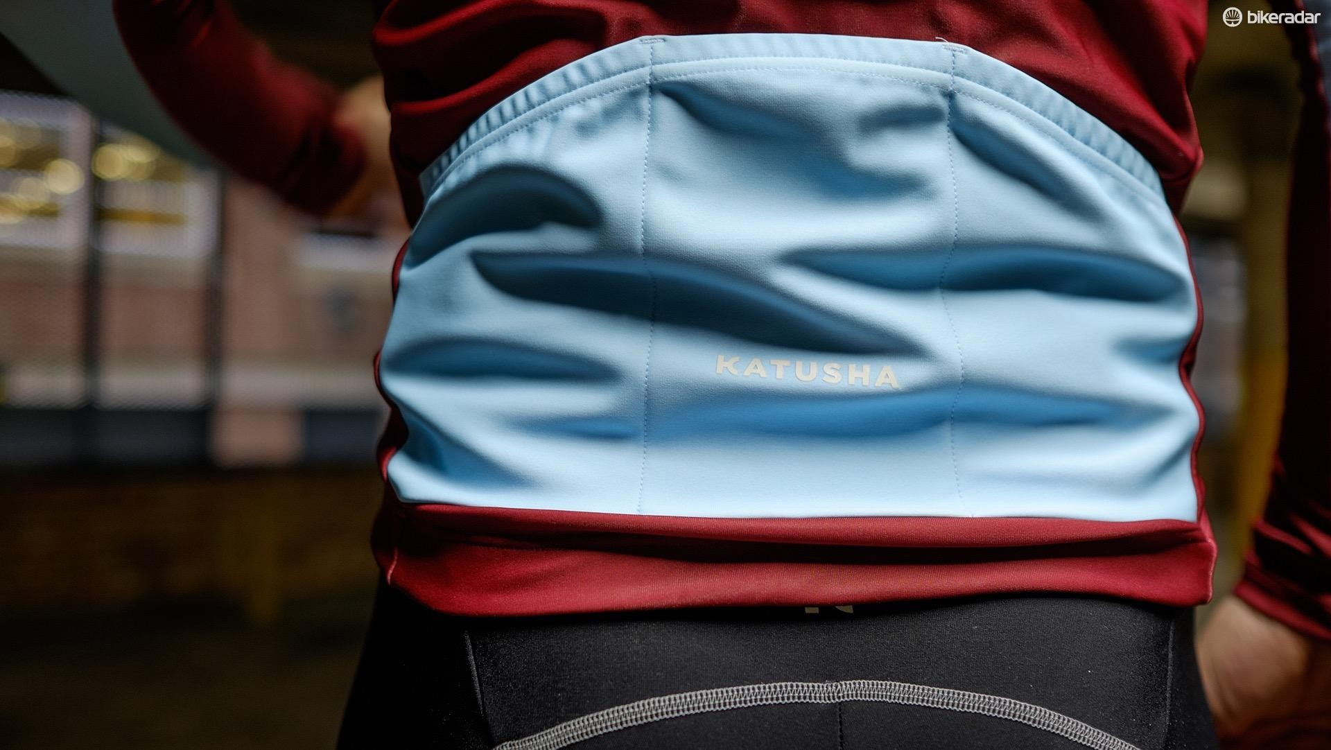 The light blue fabric used on the pockets improves visibility but is prone to stains