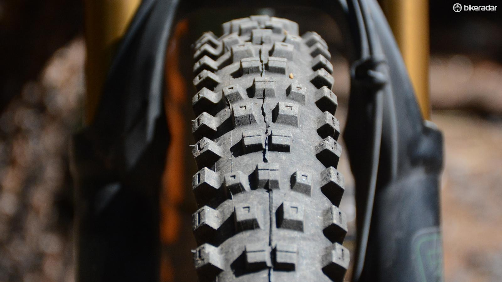 Big knobs with Kenda's RSR dual-layer rubber compound equates to impressive traction