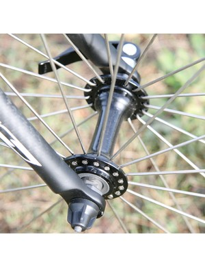Radially spoked front wheel