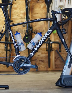 The Climb lifts the hub up to simulate a 20% climb, and lowers down to -10%