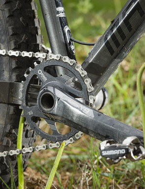 Transmission was via SRAM X1, with X9 cranks and Praxis Works chainring
