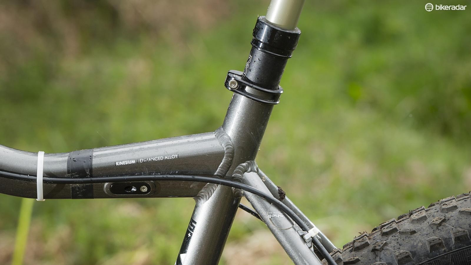 The slack (measured at) 71.5-degree seat angle mean the front wheel can be hard to keep grounded on climbs