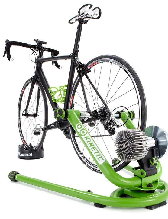 Once you've added the Turntable Riser Ring, turning the front wheel leans the bike or corrects it back to upright in exactly the same way as if you were riding for real