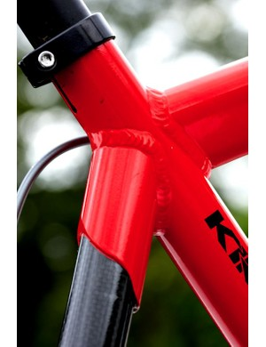 The frame has a Scandium front end and is coupled with Easton carbon rear.