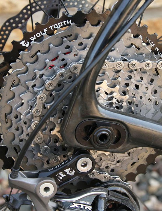 The kit consists of 45t and 18t chainrings along with a spacer