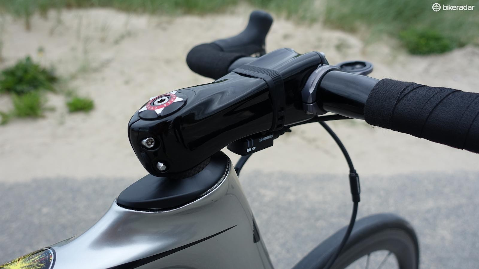 Kittel, like others in the peloton, love Zipp's Sprint SL stem, here in a 12cm. Team mechanics though have blacked out logos as Zipp is not a sponsor. Seen here is also a new headset cap for the Venge that Specialized is producing for riders not using the integrated ViAS bar/stem