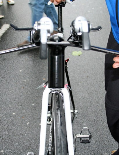 … but from the front the stem's wedge shape almost hides the rest of the bike from view!