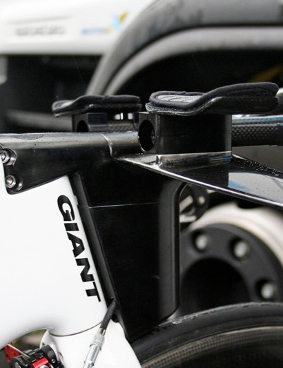 Giant has built its own stem and time trial bar system…