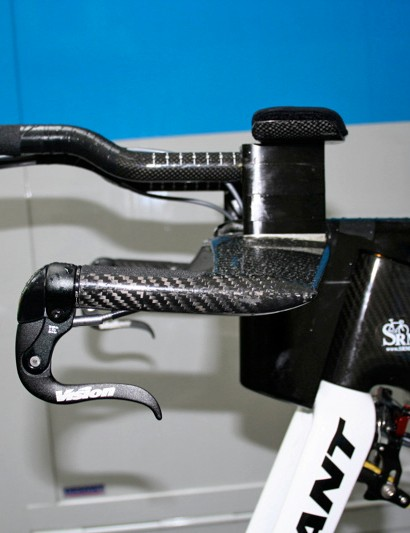 The innovative front end design does seem to limit bar positioning flexibility somewhat though.  Columbia teammate Tomas Lövkvist requires a lot of spacers to get his extension position correct.