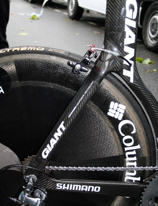 The rear end of the prototype frame hugs the rear disc wheel as closely as the UCI will allow.