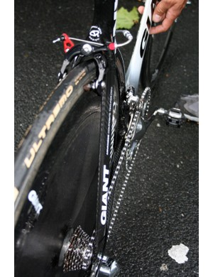 Straight aero seat stays don't leave a lot of room for wheel clearance.